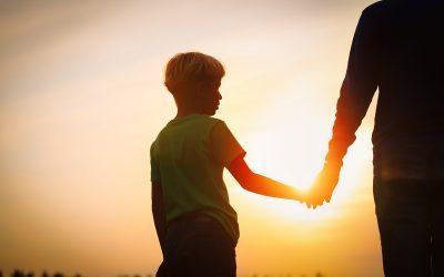 Juiz homologa acordo de reconhecimento de filiação socioafetiva entre padrasto e menino