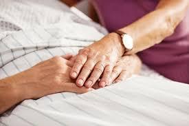 Testamento vital – documento dá o direito de escolher os cuidados para o fim da vida; entenda